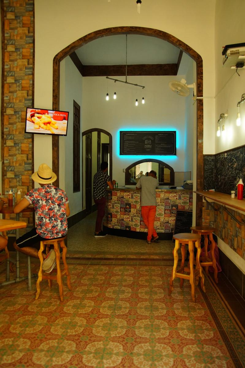 Cafeteria Centro Habana (2020)
