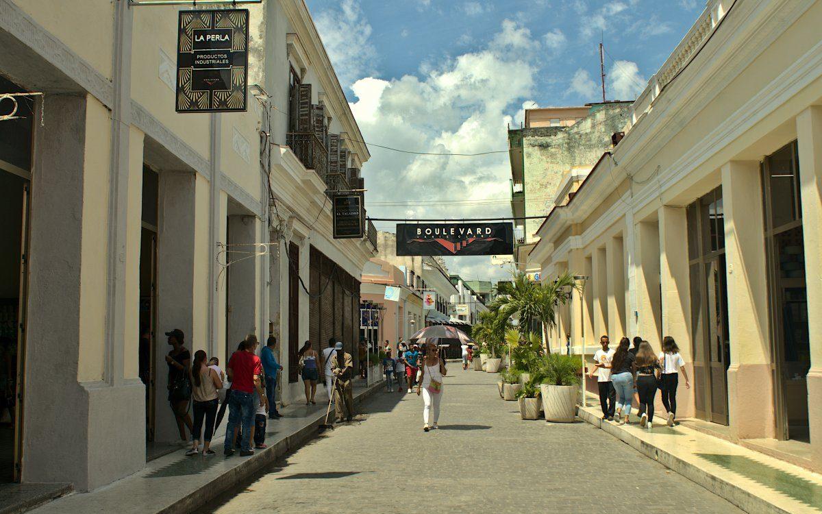 Santa Clara Cuba Boulevard